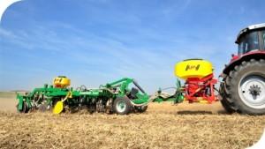 Сцепка носитель - MT2  M1- универсальное решение в поле  ,  мелкосемянная сеялка APV, сеялка для подсева трав