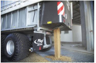 Задний гидравлический борт с зерновой задвижкой
