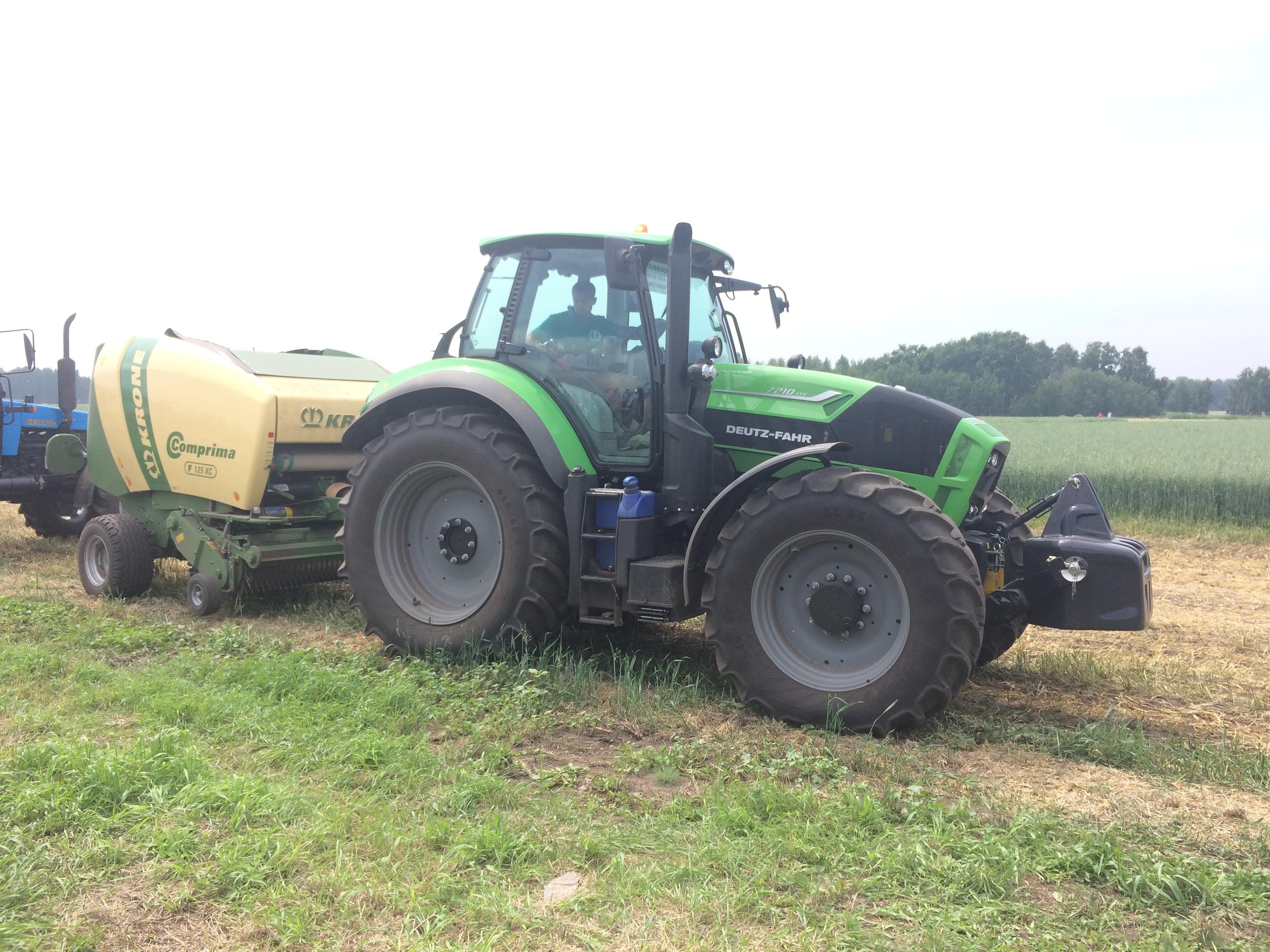 Рекорд России по тюкованию сена - Алтай 2016, комприма от Кроне и трактор Дойц Фар Agrotron 7210 TTV