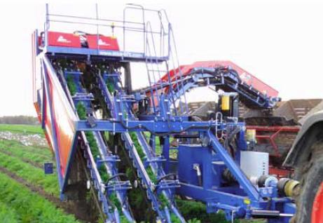 Asa-Lift-модель-T-200-DF-двухрядный-моковоуборочный-комбайн-.-Аза-Лифт-комбайны-для-уборки-моркови-теребильного-типа