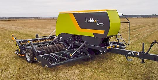 W700_юнкари юнкари джункари junkkari посевной комплекс в поле простой и надежный механический